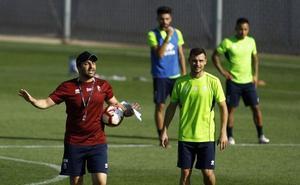 El Granada ensaya las finalizaciones y anuncia que Adri estará ocho semanas de baja