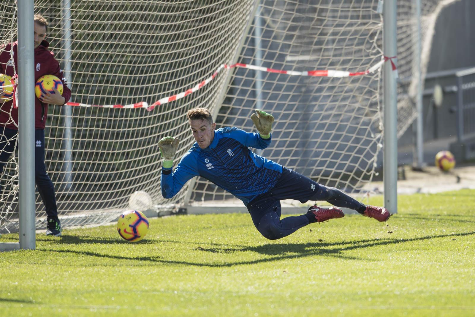 Entrenamiento del Granada CF abierto a los aficionados