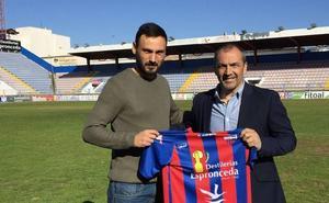 Juan Sabas, destituido como entrenador del Extremadura