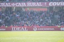 Encuéntrate en la grada de Los Cármenes durante el Granada CF - Numancia