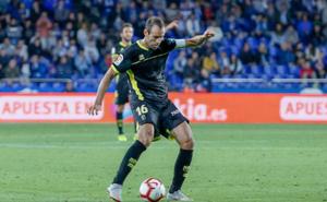 Víctor Díaz se convierte en el tercer jugador que alcanza los 50 partidos con el Granada