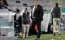 El Córdoba destituye a Sandoval después de perder con el Cádiz