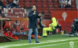 Rubén Baraja es destituido del Sporting antes de viajar a Granada