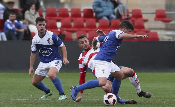 Las mejores imágenes del partido entre el Recreativo Granada y el San Fernando