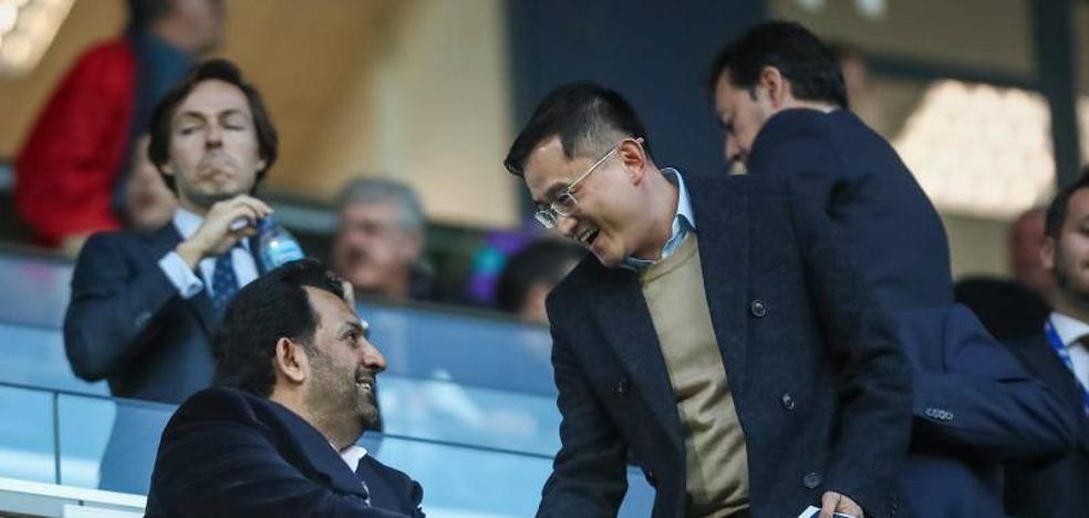Jiang compartió espacio en el palco con Al-Thani