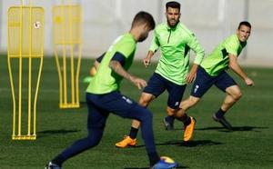 El Granada prepara el partido ante el Nástic con la defensa en cuadro