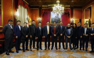 Encuentro entre el Granada CF, el Ayuntamiento y la Superliga china