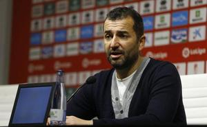 Diego Martínez: «Creo que la derrota es inmerecida, el gol fue un mazazo»