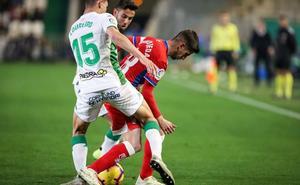 Ojeda y Castellano estrenan titularidad en el debut de Azeez