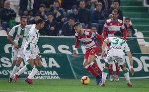 Remontada exprés del Granada en Córdoba y victoria que asegura los 50 puntos
