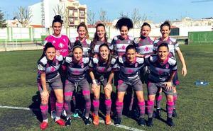 El Granada Femenino cumple en Extremadura y sigue la estela del liderato