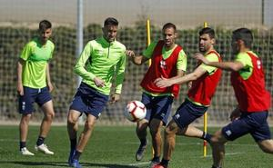 Pozo y Adri Castellano anticipan su salida del entreno por precaución