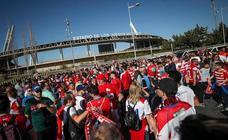 Más de un millar de seguidores rojiblancos se dan cita en los Juegos del Mediterráneo
