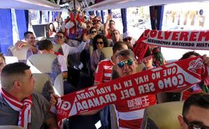 Más de 200 aficionados rojiblancos parten desde Los Cármenes para arropar al equipo