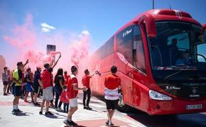 Así ha despedido un grupo de aficionados al Granada antes de partir para Albacete