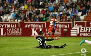 Adrián Ramos bendijo con el gol de la victoria al Granada (1-0)