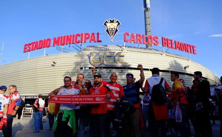 Gran ambiente en los alrededores del Carlos Belmonte antes del partido