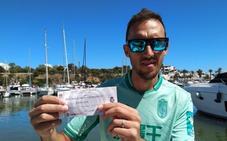 «Aquí estoy en Mallorca con mis dos entradas en el bolsillo»