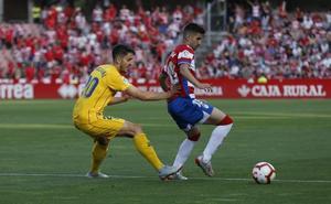 Dani Ojeda tuvo que ser sustituido por una lesión en la clavícula en el primer tiempo