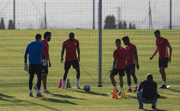 Así ha sido el primer entrenamiento del Granada CF
