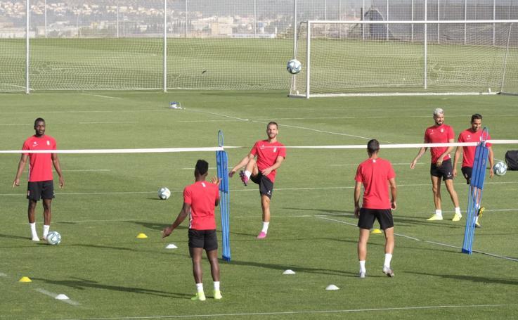 Así ha sido el entrenamiento de este jueves del Granada CF