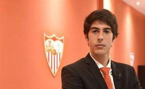 Carlos Fernández podría jugar ante el Sevilla en Los Cármenes pero no en el Sánchez Pizjuán