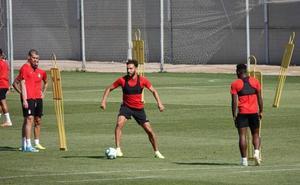 El entrenador del Granada se lleva 19 jugadores a Villarreal