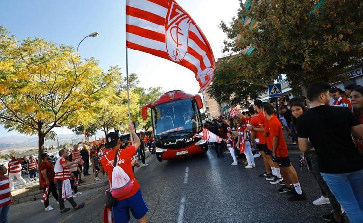 Así ha recibido la afición del Granada CF a su equipo para el partido contra el CD Leganés