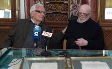 El historiador Carlos Asenjo dona tres documentos históricos de Guadix a la Fundación Pintor Julio Visconti