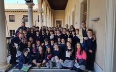 Alumnado de 4º y 5º de la Divina Infantita visita el Ayuntamiento