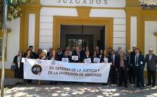Los Juzgados paran al mediodía «en defensa de una justicia digna»