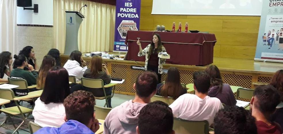 Alumnado del IES Padre Poveda participa en un Seminario de Fomento de Cultura Emprendedora