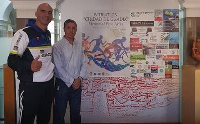 El IV Triatlón Ciudad de Guadix 'Memorial Pepe Ariza' propone este año un recorrido urbano por las cuevas y el Teatro Romano