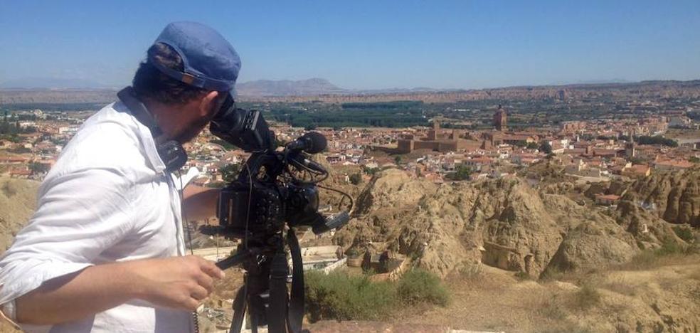 Un equipo de la televisión francesa TF1 graba en Guadix