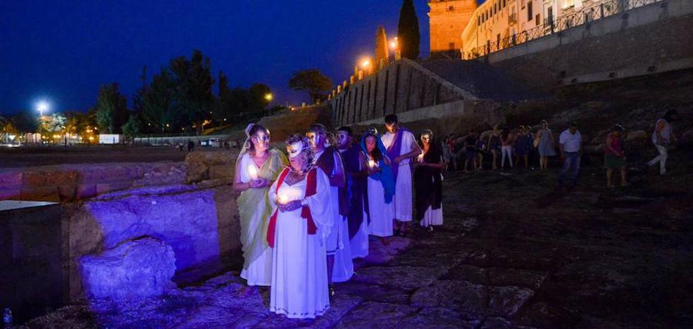 El Teatro Romano ACCI de Guadix pone en escena el domingo el microespectáculo 'Desenterrando la Historia'