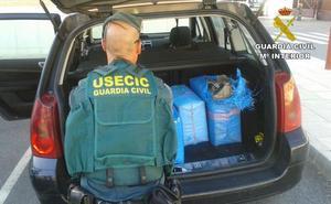 Interceptan una furgoneta cargada con 70 kilos de marihuana en un control rutinario en la A-92 a la altura de Guadix