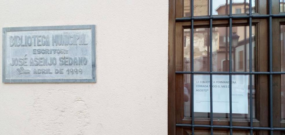 El PP denuncia el cierre de la Biblioteca Municipal durante agosto