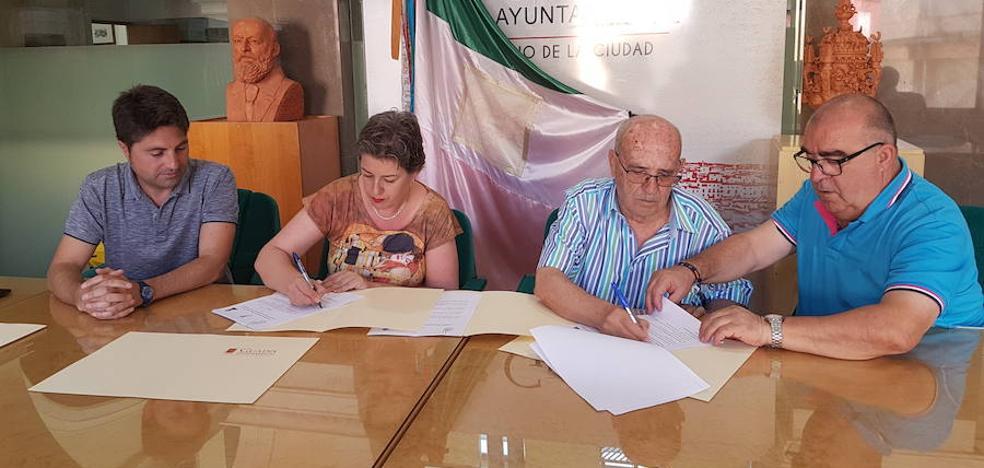 Ayuntamiento y Hermandad de la Virgen de la Piedad formalizan el convenio para Cascamorras 2018