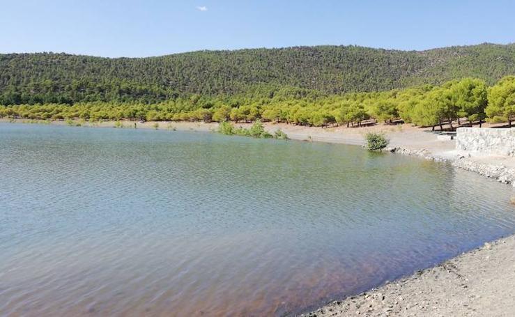 Zona donde ha sido hallado muerto un hombre de 39 años mientras se bañaba