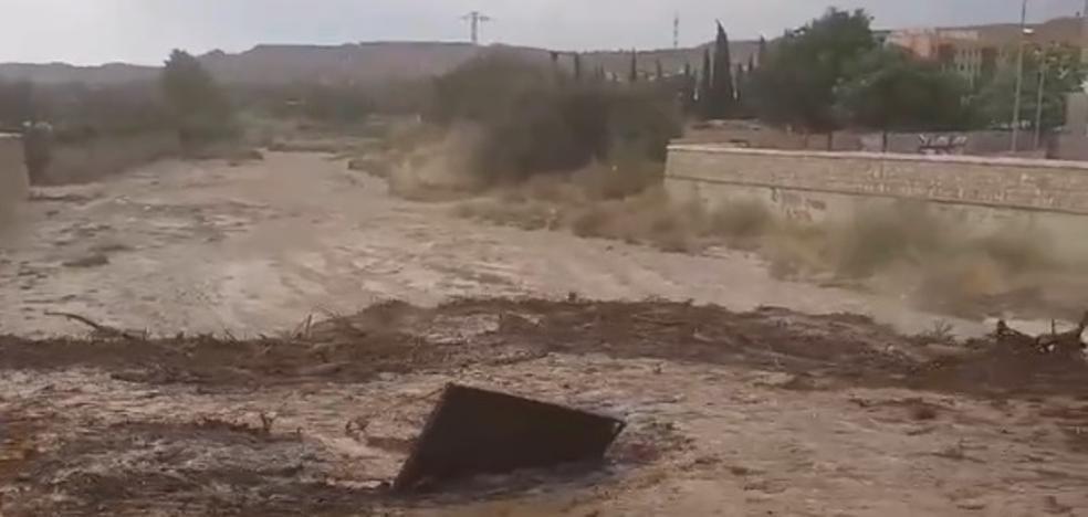 Diversos daños en Guadix por el desbordamiento del río Verde y la rambla de Baza