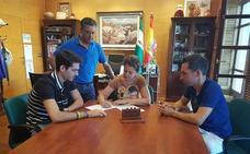 El Ayuntamiento agradece a Alberto Amezcua y su entrenador Jacinto Garzón su papel en el campeonato de Europa