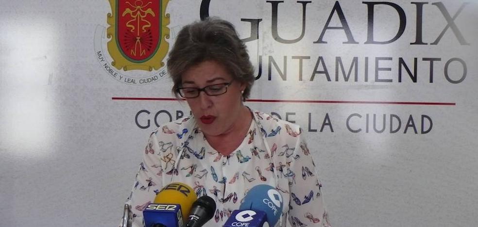 La alcaldesa anuncia que próximamente habrá una reunión con el responsable de Paradores