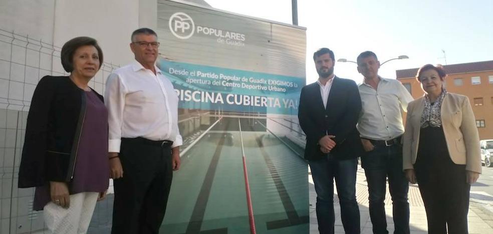 El Partido Popular de Guadix pone en marcha la campaña 'Piscina Cubierta Ya'