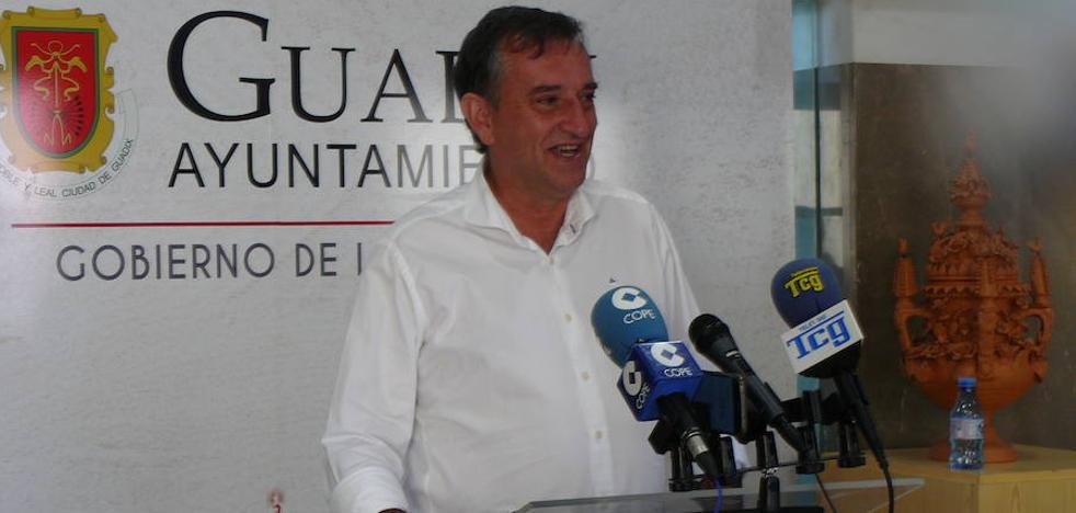 «Los 600.000 euros para el parque de Bomberos llegan este año y llegan para quedarse», asegura Manuel Gómez Vidal