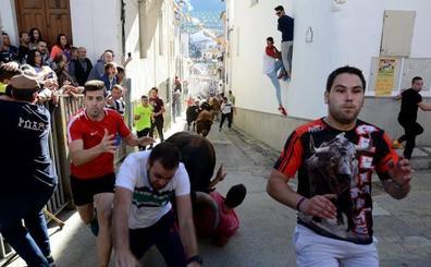 Cuatro personas resultan heridas en los encierros de La Peza