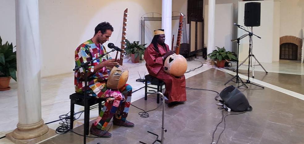 Poesía y música africana en el Palacio de Villalegre con motivo de la VI Noche Sahiliana
