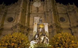La Virgen de las Angustias protagoniza un luminoso segundo domingo de noviembre
