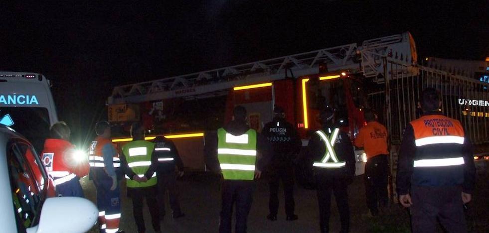 Los bomberos de Guadix, sin efectivos para atender la explosión porque trabajaban en un incendio en Alicún