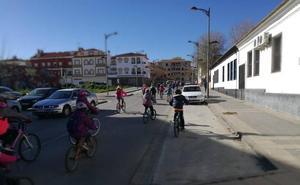 Duatlón escolar en la pista de atletismo de Guadix