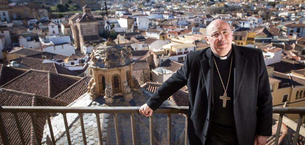 «La Iglesia no ha nacido para estar metida en la sacristía. Ha nacido para estar con los seres humanos y sus problemas»